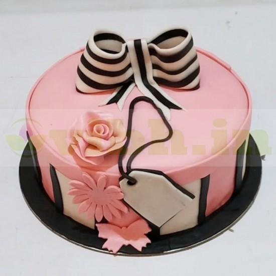 Love Swirls Fondant Cake From VIBH Cake Studio