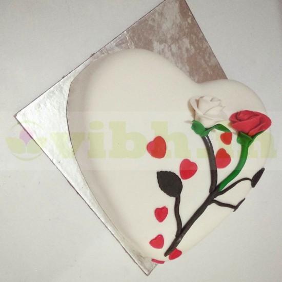 Lovely Heart & Rose Fondant Cake From VIBH Cake Studio