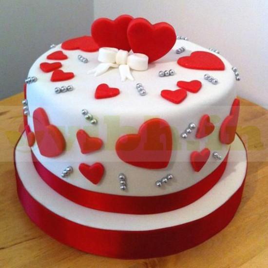 Lady Charmers Romantic Fondant Cake From VIBH Cake Studio
